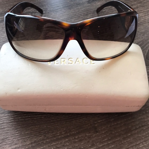 bbada2894e35 AUTHENTIC VERSACE SUNGLASSES. M 5a9449a045b30ccf0c164ecd. Other Accessories  ...